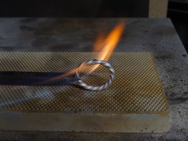 シルバーアクセサリーの作り方リングの製作方法彫金10